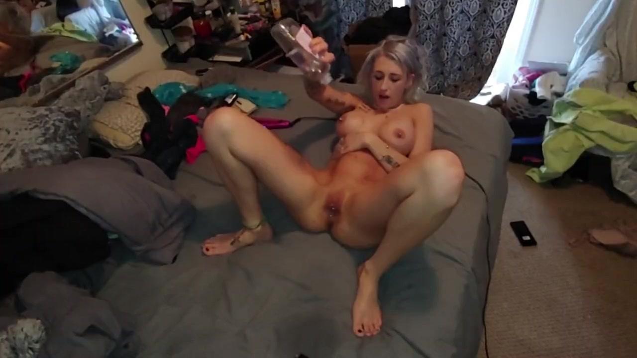 Amateur Blonde Wife Fucks Bbc