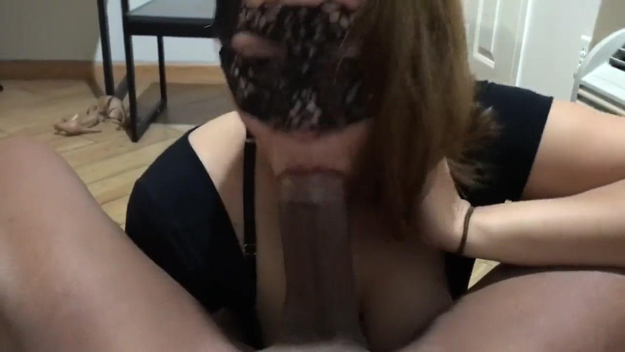 Amateur Brunette Sucking Bbc